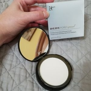 iT Cosmetics Bye Bye Pores Pressed Powder NWTIB!